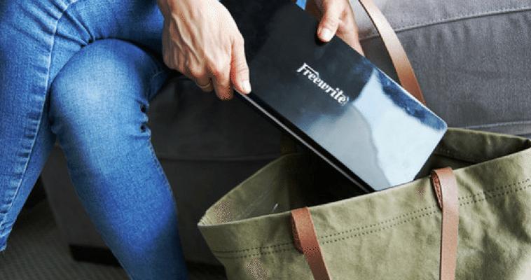 Freewrite Traveler, el dispositivo electrónico para escribir sin distracciones