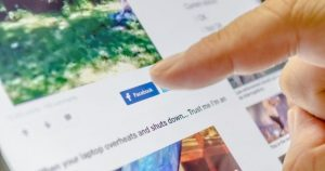 Facebook chequeará si lees los artículos que compartes